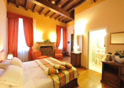 Hotel-1-600x400-400x284